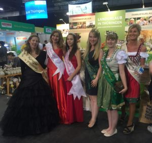 Die Thüringer Majestäten mit der Kartoffelprinzessin Manuela I auf den Grünen Tagen